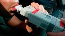 La Guardia Civil recuerda la verdad sobre los controles de alcoholemia