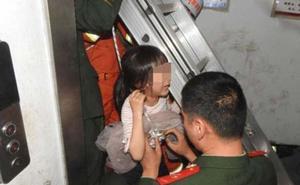 El milagro de la niña de seis años que ha sobrevivido atrapada en el hueco del ascensor