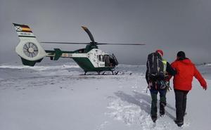 El senderista rescatado en la Sierra de Segura viaja ya a su casa de Peligros tras constatarse que no tiene lesiones
