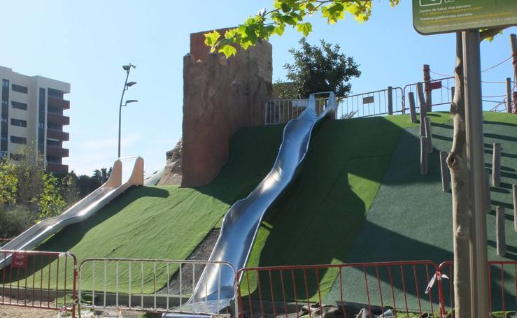 El Parque de las Familias tiene la mitad de sus zonas de juego inutilizable