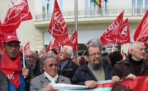 CC OO y UGT mantienen en la calle la petición de pensiones dignas