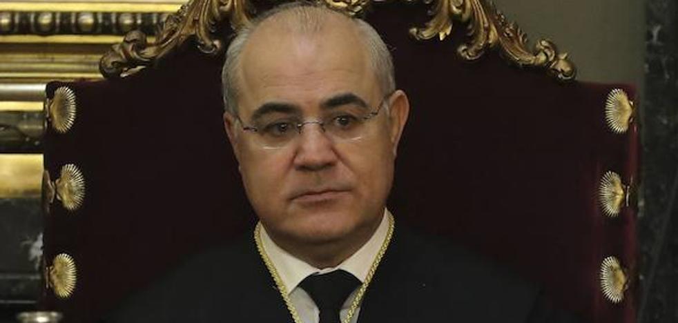 El Gobierno estudia ya denunciar al Parlament por la querella contra Llarena