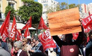 Unas 2.000 personas salen en Almería a la calle a pedir unas pensiones «dignas»