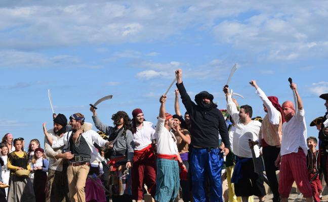 La primavera 'desembarca' en San José llenando el Cabo de Gata de actividad