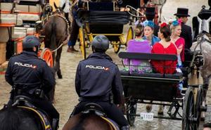 Muere un caballo en la Feria de Sevilla porque su dueño no lo alimentó en todo el día