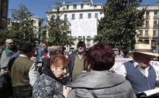 Los jubilados piden en Granada «luchar» porque las pensiones son «un derecho ganado»