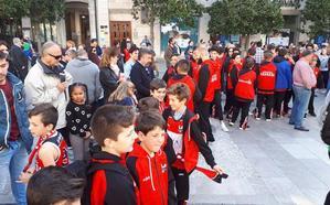 En directo, el Ayuntamiento recibe al Covirán Granada