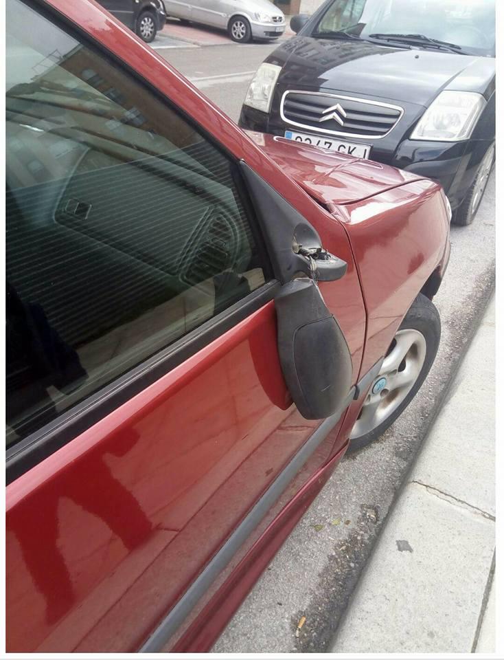 Denuncian una 'oleada' de retrovisores rotos en el Bulevar