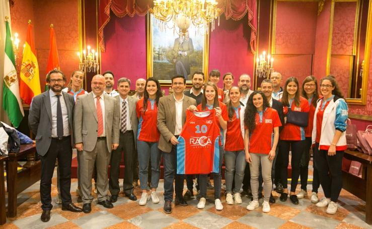 El Ayuntamiento de Granada valora los éxitos del RACA Femenino