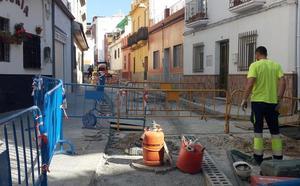 Motril mejora el asfaltado y acerado de la calle del Cementerio