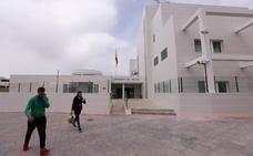 Concluyen las obras para borrar la gran chapuza de la fachada de la comisaría de Policía de Motril