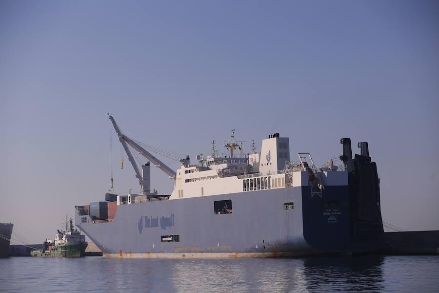 Atraca en Motril un buque saudí para cargar explosivos 'granadinos'
