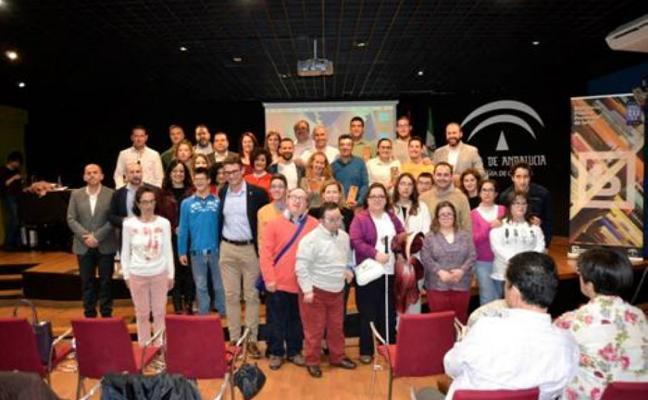 La Asociación de profesionales de juventud Dinamia entrega sus premios