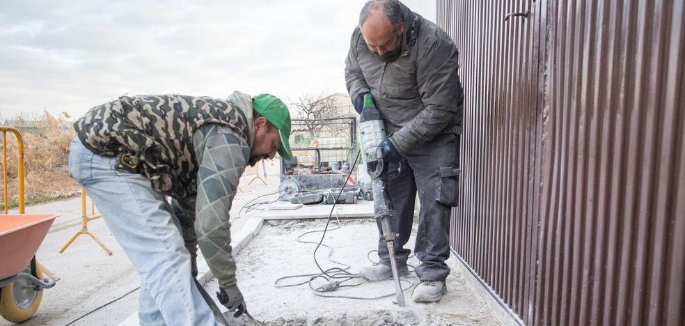 El nuevo reparto da una ligera subida a los ayuntamientos para las obras del PER