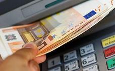 Un cajero de Granada se vuelve loco y está 'escupiendo' dinero sin parar