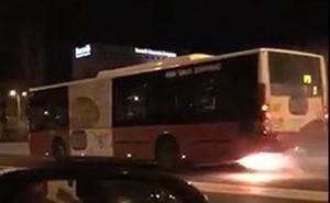 Llamas en un autobús que circulaba por la Circunvalación por una avería