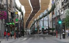 El Ayuntamiento volverá a poner toldos en el centro de Granada contra el calor desde el Corpus y hasta septiembre