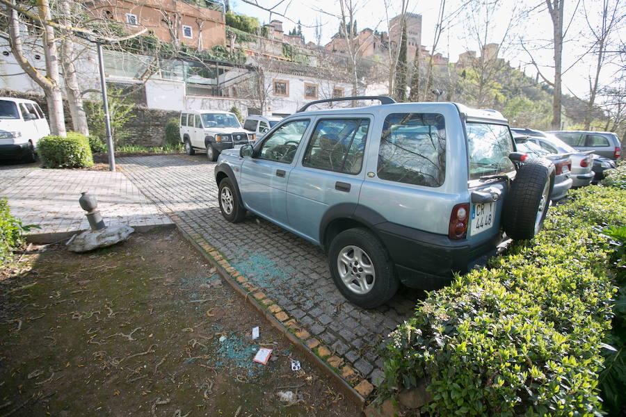 Vehículos destrozados en Rey Chico