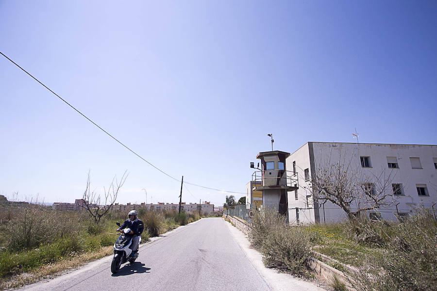 Las obras que transformarán un pabellón militar de Motril en un centro de inmigrantes empezarán en breve