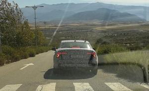 Un nuevo modelo de coche en fase de prototipo se prueba en Granada