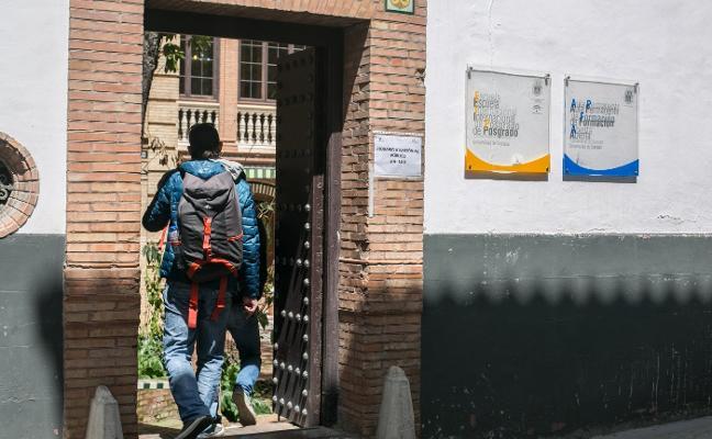 La UGR dobla sus alumnos de másteres en ocho años y más de la mitad son de fuera