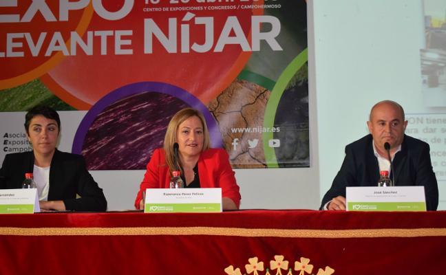 Níjar reivindica en su feria agrícola la doble vía hasta su futuro Puerto Seco