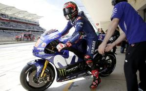 Iannone lidera, Márquez domina