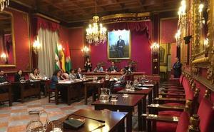 La oposición se levanta del pleno de movilidad y exige al PSOE votar las líneas de autobuses de Granada