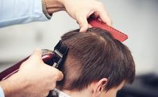 Condenan a un peluquero por cortar el pelo a un niño de 10 años como castigo