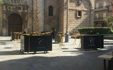 Denuncian la ocupación de la plaza de San Ildefonso por los pubs