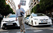 El Gobierno blinda por Real Decreto Ley la limitación de empresas como Uber frente al taxi