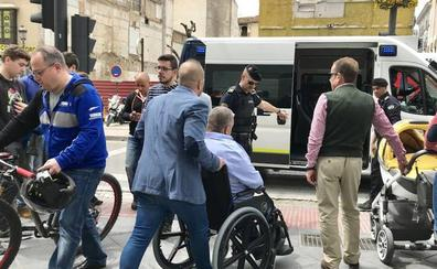Detenido en Granada tras golpear con su bastón a un ciclista por una discusión de tráfico