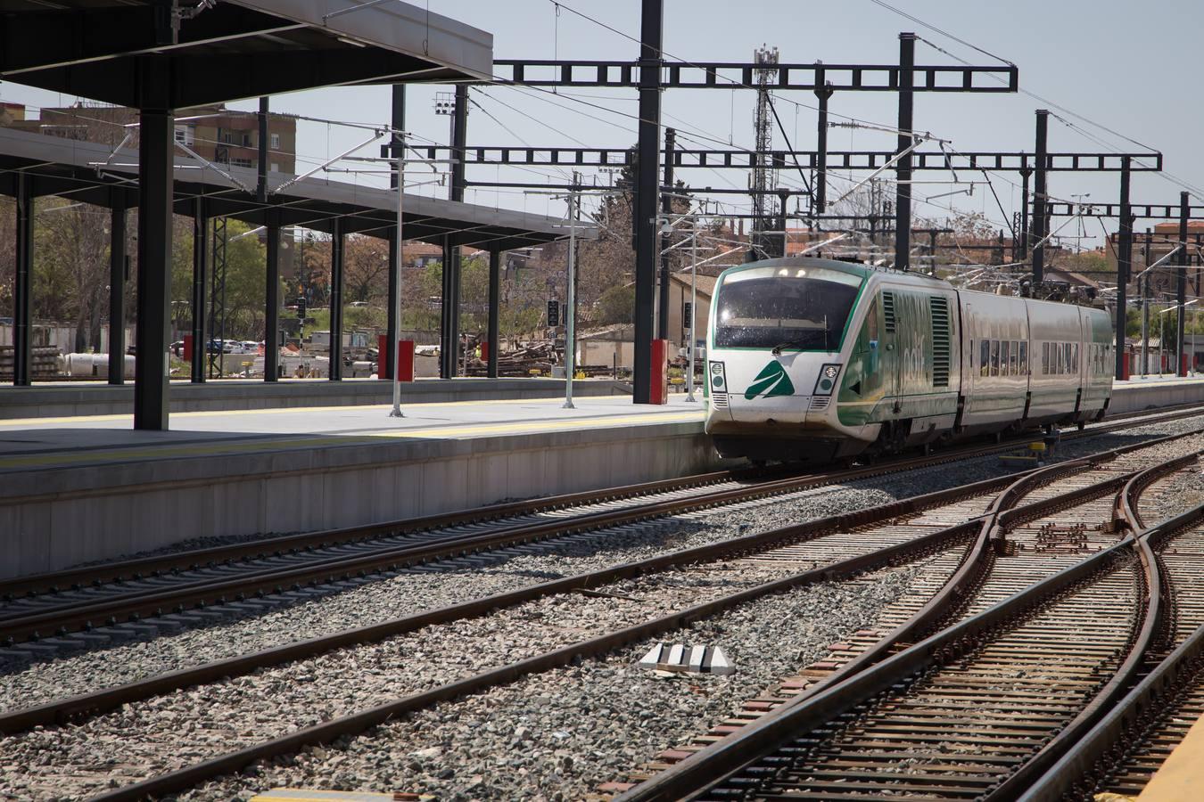 Así se viaja por la línea del AVE entre Antequera y Granada