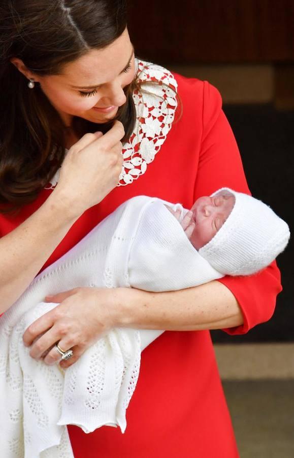 La presentación del tercer hijo de Kate Middleton en imágenes
