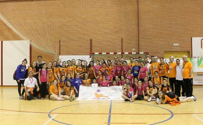 El Día del Balonmano Femenino reunió en Torredelcampo a más de 400 jugadoras