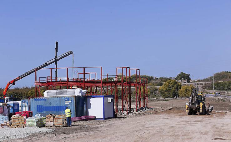 Así se desarrollan las obras en el nuevo parque comercial de Motril