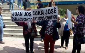 El herido por el anciano a cuya hija asesinó en 1985 en Huétor Santillán dice que se cortó de forma accidental