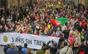 Fomento asegura que el fin del aislamiento ferroviario de Granada es cuestión de «meses»