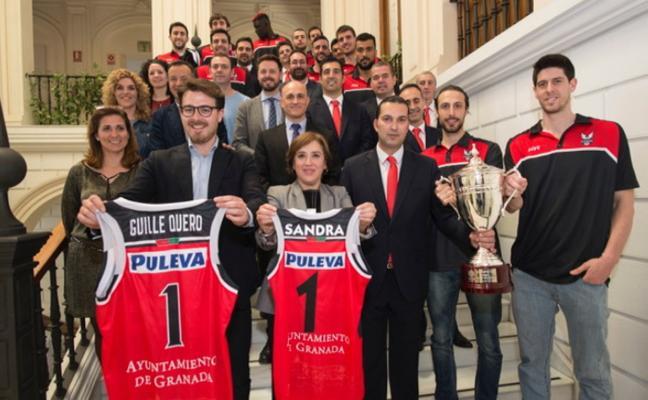 El Covirán prolonga los actos tras el ascenso con visitas a patrocinadores