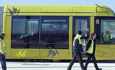El tranvía ayudaría al comercio del centro de Jaén, según Reyes