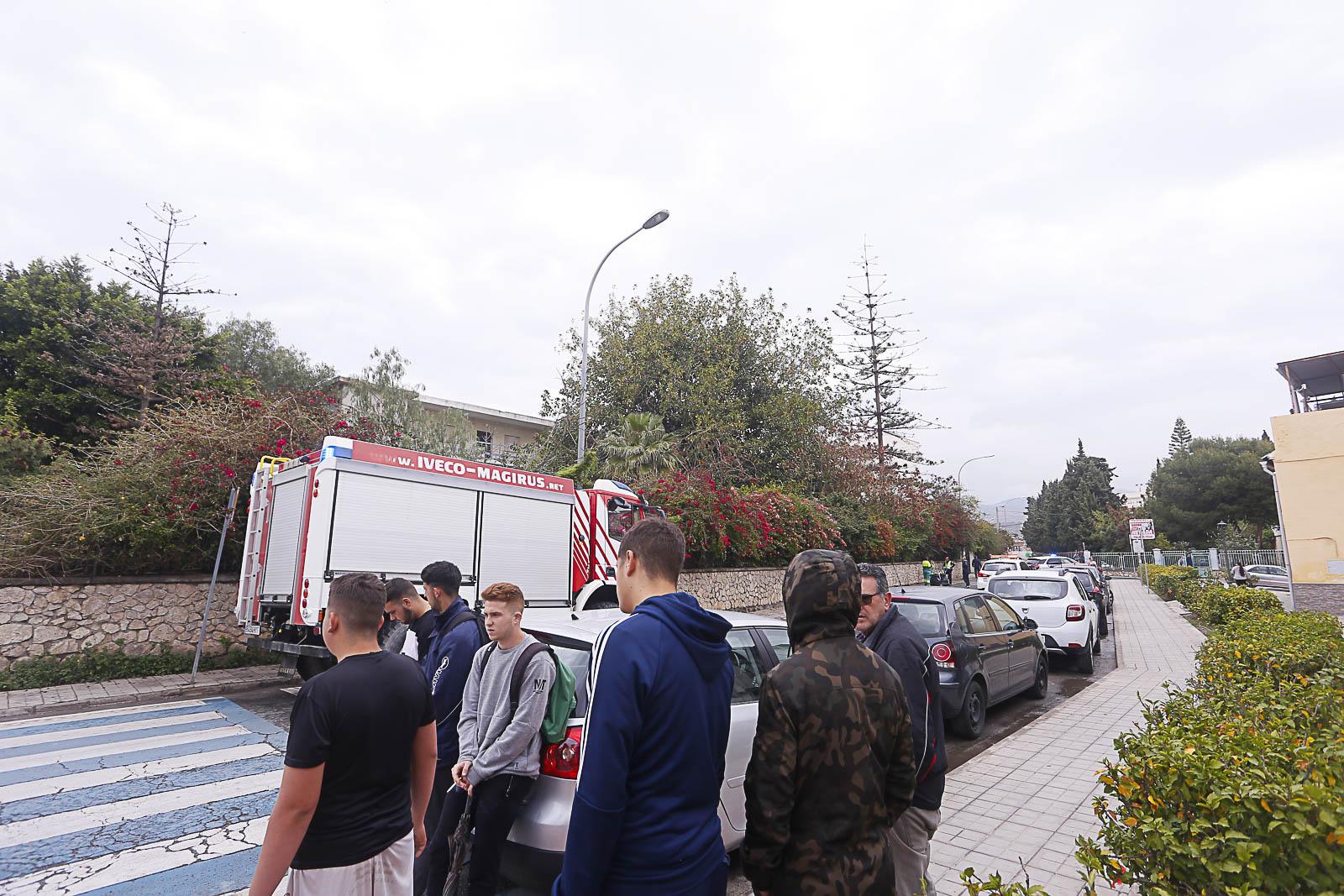 Un incendio en la residencia Santa Amelia alerta al barrio de Cuartel de Simancas de Motril