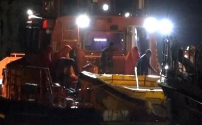 Los rescatados de la patera con cinco muertos dicen que hay al menos doce desaparecidos