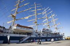 Tres cruceros de lujo con pasajes de hasta 17.000 euros coinciden mañana viernes en Motril