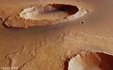 «Si en el pasado hubo vida en Marte, podría explicar el exceso de gas metano que se observa en el planeta rojo»
