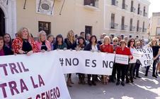 Las mujeres de la Costa también 'dictan sentencia' en la calle: «No es abuso, es violación»