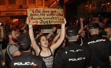 La dura carta de una chica contra 'La Manada': «Cuando tenga 25 años podré volver a encontrármelos en la calle»