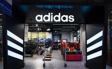 Las Adidas de Blanca Suárez que todo el mundo quiere: una buena y una mala noticia