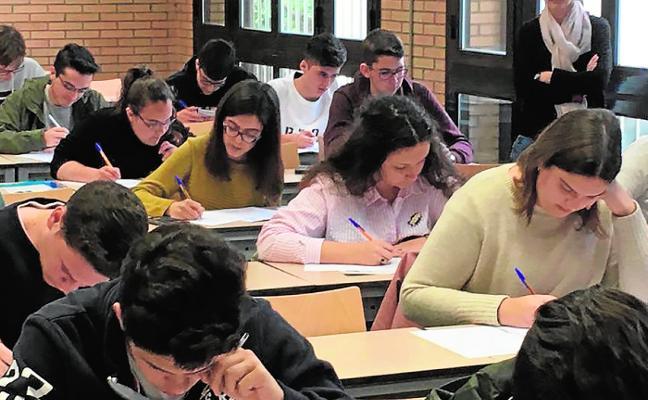 Alumnos del Altaduna y el Sabinar acuden a Salamanca a las Olimpiadas de Química