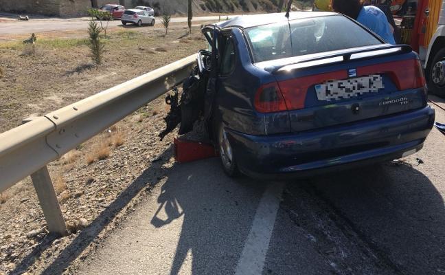 Permanecen hospitalizados cuatro de los 26 heridos en el accidente entre autobús y turismo en Cuevas