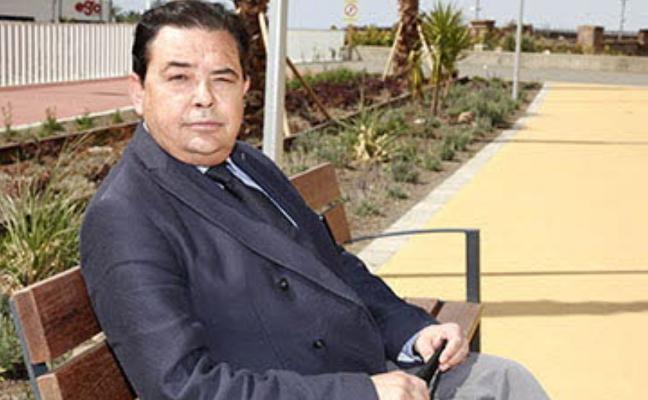 El exconcejal Nicasio Marín agredido mientras trabajaba en Torrecárdenas